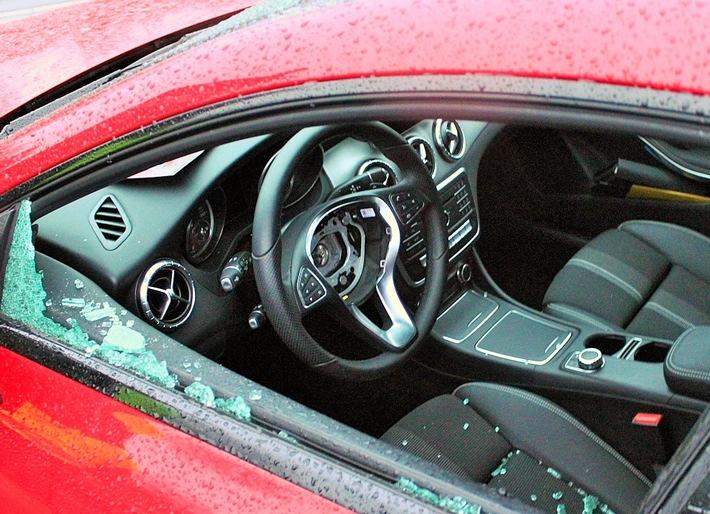 Aufgebrochener Mercedes in Viersen (Foto: Polizei Viersen)