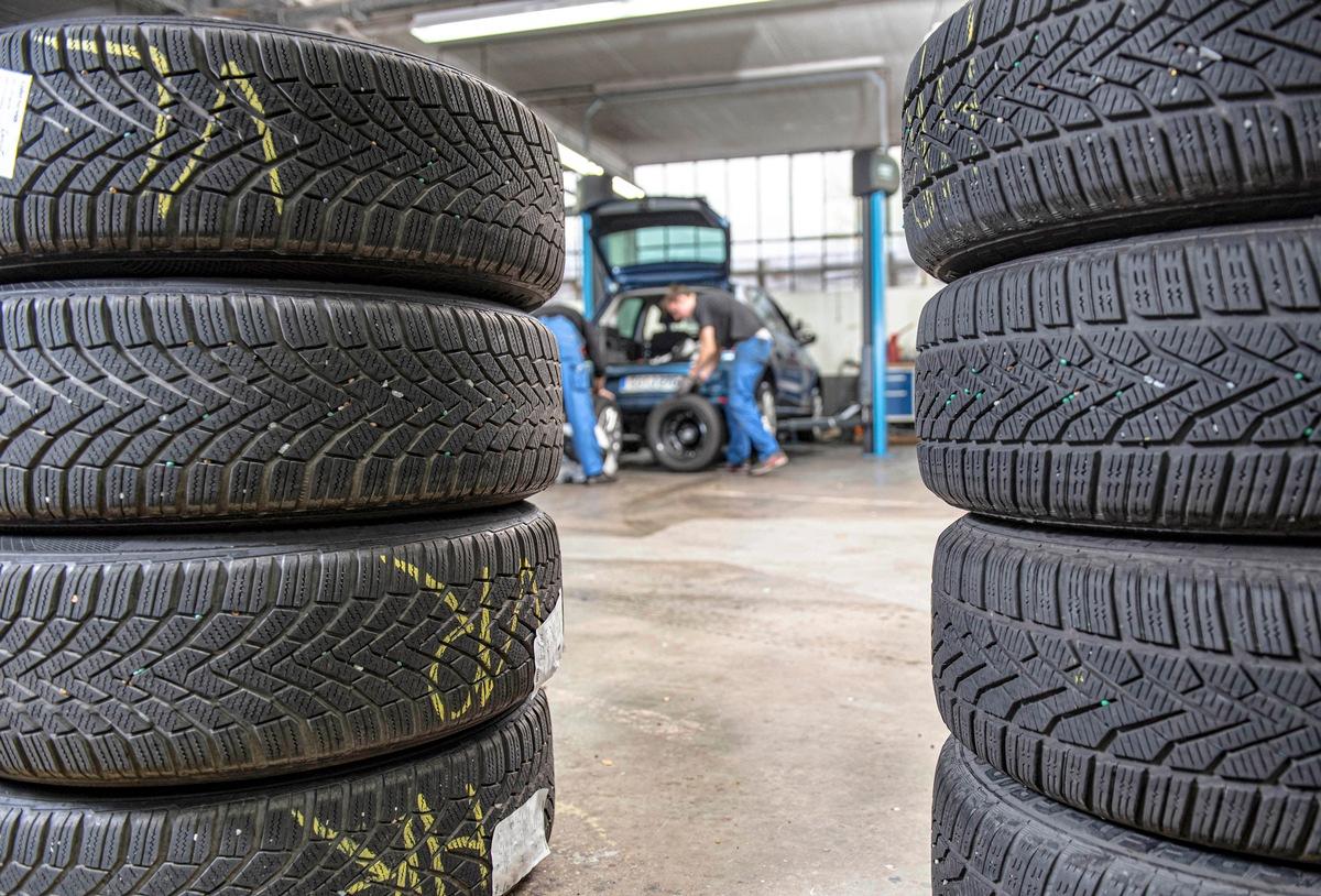 Reifen im Winter: Gefahr auf Punkte, Bussgeld und Versicherungsschutz-Verlust mit falschen Winterreifen