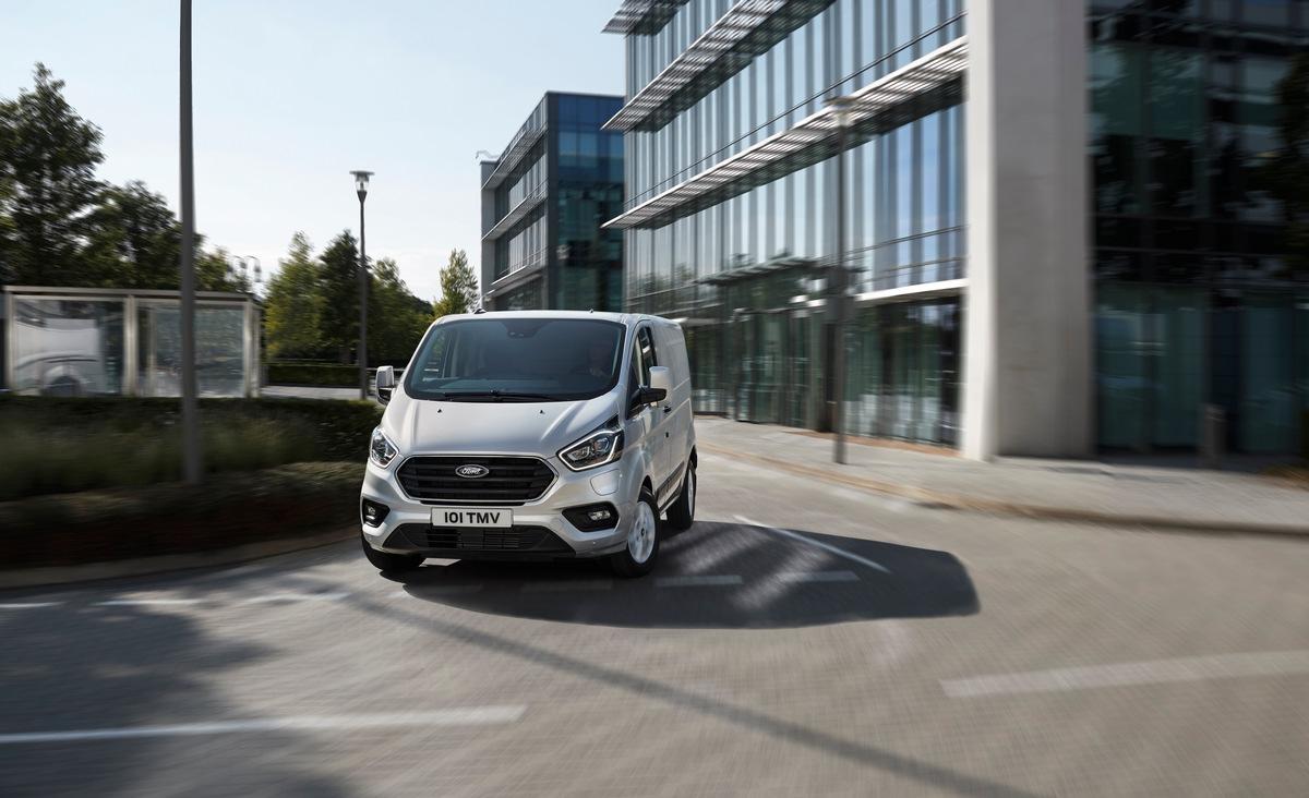 Custom PHEV-Baureihe: Ford führt Geofencing-Funktion zur automatischen Umschaltung in den Elektromodus ein