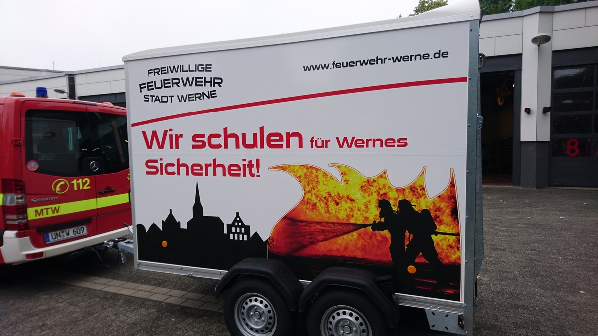 Fw Wrn Neuer Anhänger Für Die Brandschutz Ausbildung