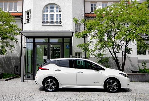 E-Auto ein halbes Jahr ausprobieren - ADAC SE mit Nissan Leaf TEKNA im Portfolio