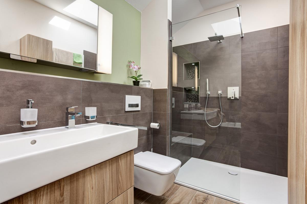 ▷ Kleines Bad? Große Wirkung! / ELEMENTS-Expertin Rita ...