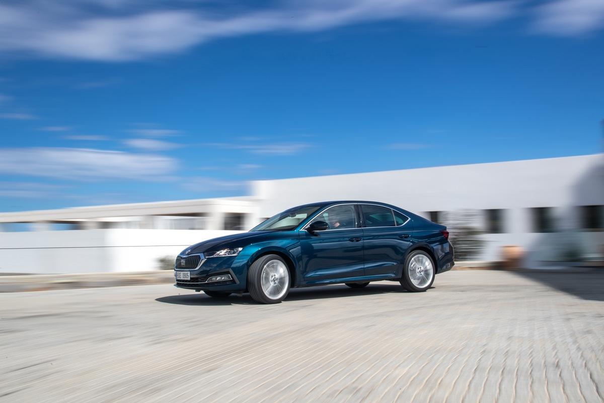 Die neue SKODA OCTAVIA Limousine - geräumig, praktisch und elegant wie ein Coupé