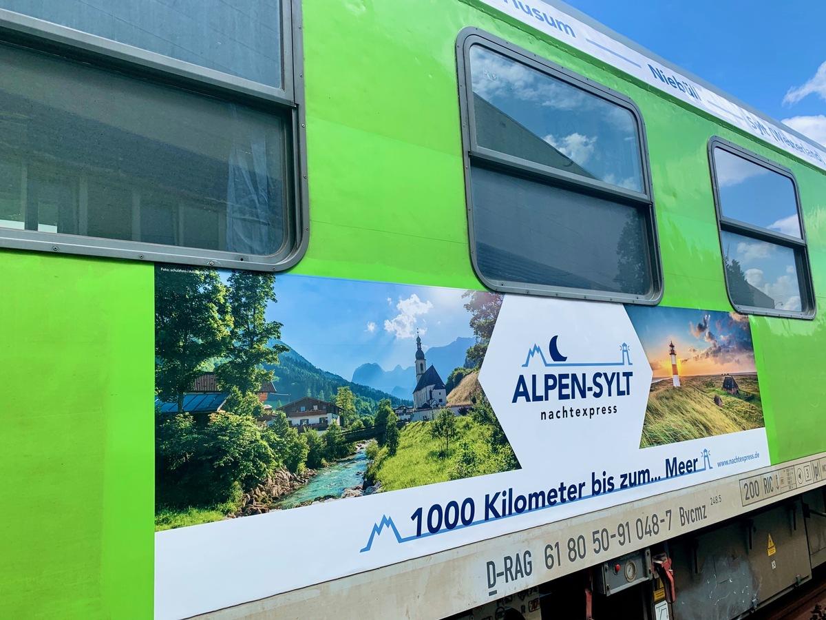 In einer Nacht von Sylt nach Salzburg: ALPEN-SYLT Nachtexpress absolviert mit 120 Gästen an Bord erfolgreich rund 1.000 Kilometer lange Premierenfahrt nach Österreich.