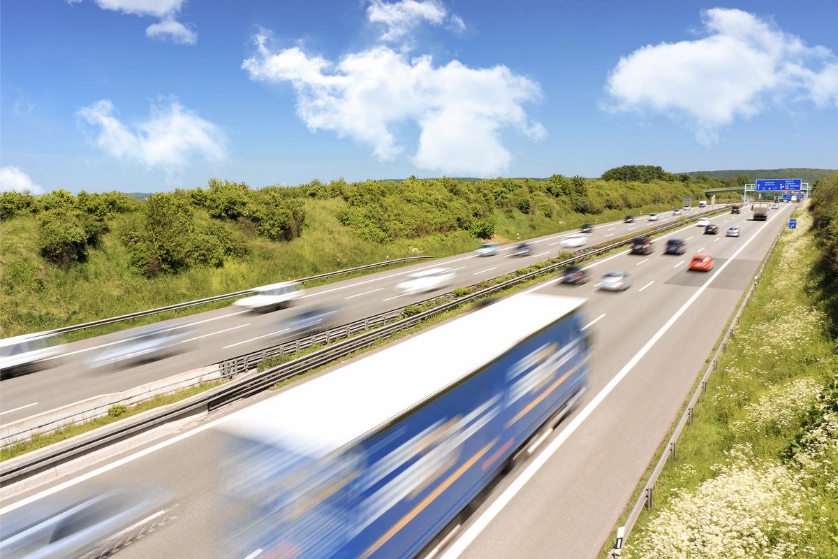 Ich geb Gas: Deutsche fahren gerne auf der Autobahn