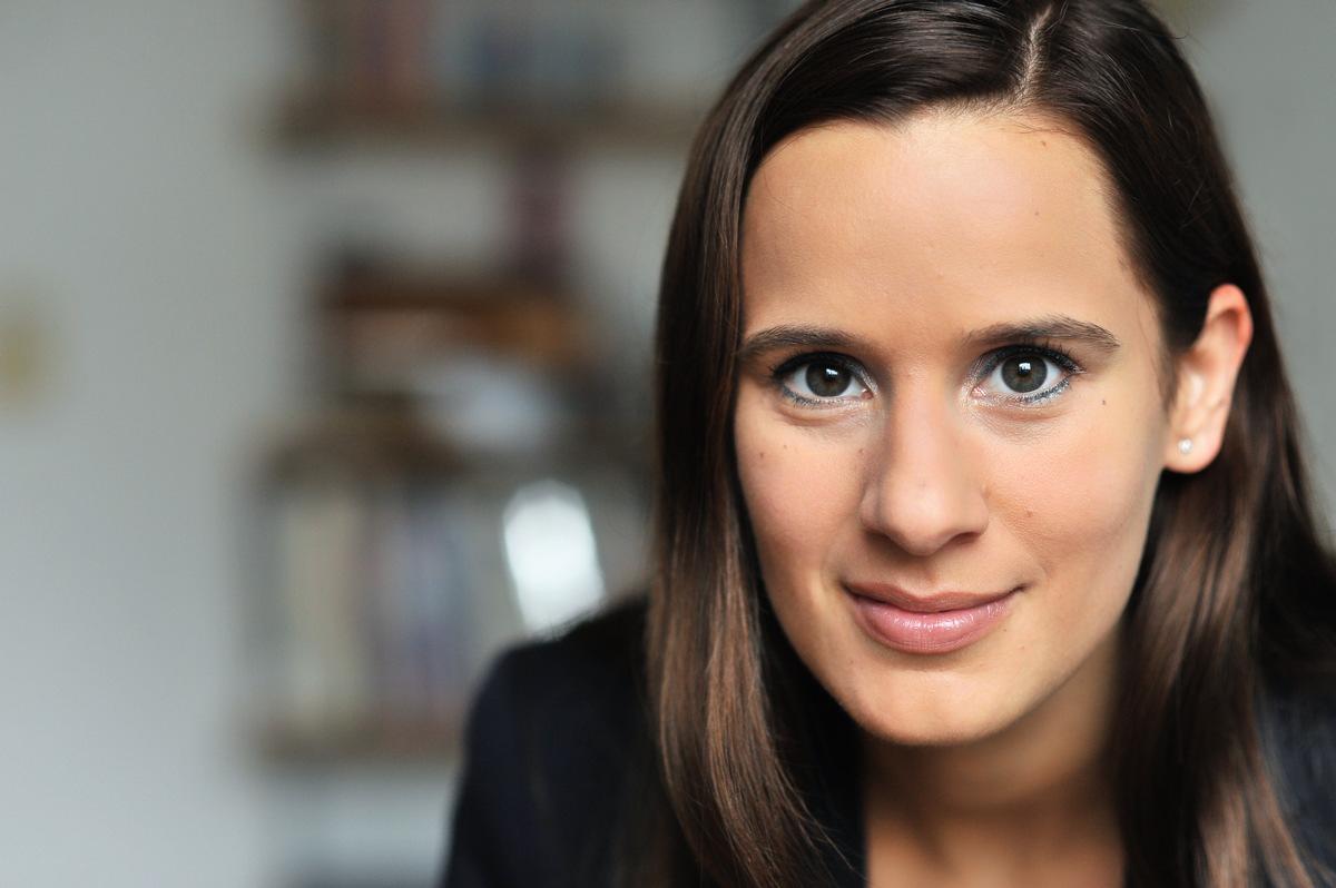 Rann Bei Sky Christina Rann Wird Field Reporterin Beim