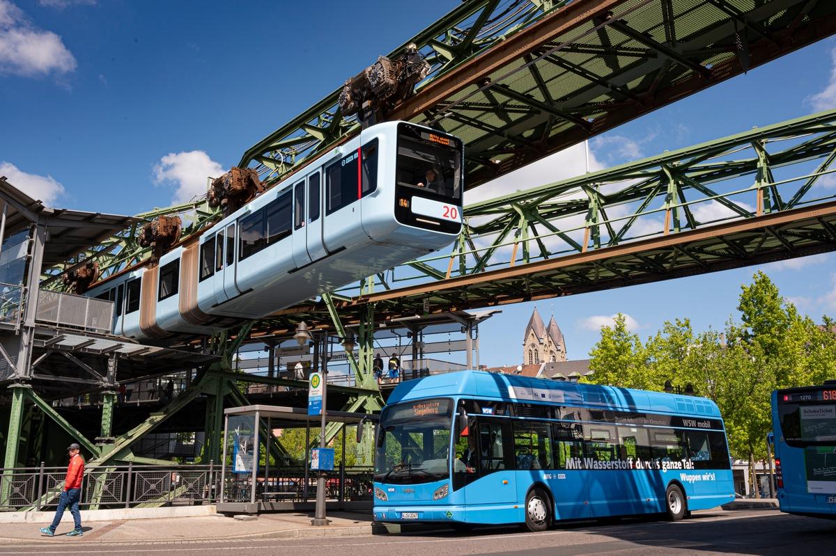 'Verkehrsinnovation europäischen Ranges': Müll macht Wuppertaler Wasserstoffbusflotte mobil