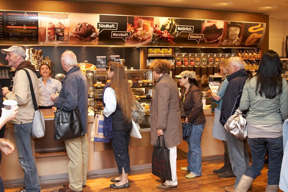 Mit 100.000 Tassen Fairtrade-Kaffee und Tchibo zum ...