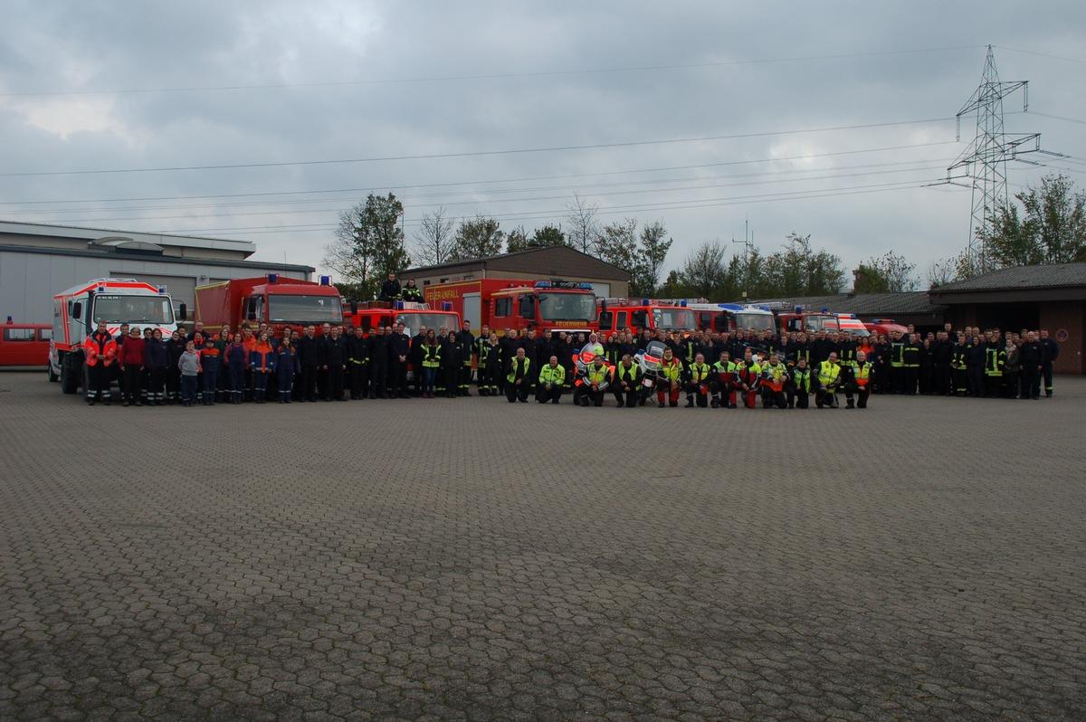 Fw Leopoldshöhe Mot Marsch Der Freiwilligen Feuerwehr