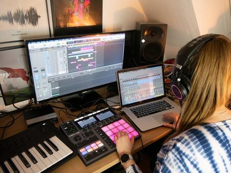"""SchoolJam Online Recording Contest 2021 – Das Online-Voting startet am 18. Juni! / Die """"Hausmusik lebt"""" – mehrer tausend Einsendungen"""