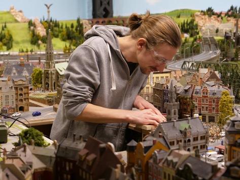 Klein, aber oho! In liebevoller Kleinstarbeit zur größten Tourismusattraktion Deutschlands – Das Miniatur Wunderland bekommt eine zweite Staffel auf DMAX