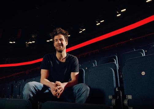 """#AlarmstufeRot: Luke Mockridge ruft am Freitag um 20:15 Uhr in SAT.1 zur Unterstützung von Künstlern und Veranstaltungsmitarbeitern auf / Im Anschluss: """"Luke Mockridge Live – Lucky Man"""""""