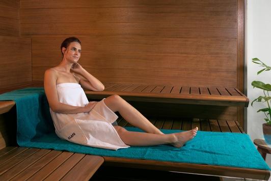 Ein großer Mehrwert für die Gesundheit / Das SANARIUM® von KLAFS macht aus einer Sauna fünf. Die unterschiedlichen Badeformen ermöglichen eine große Saunavielfalt im eigenen Zuhause.