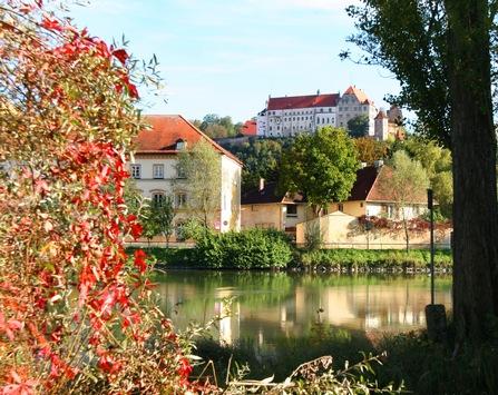 Goldener Herbst auf Bayerns Burgen / Kulturgeschichte und Kulinarik treffen sich zu einem besonderen Genusserlebnis