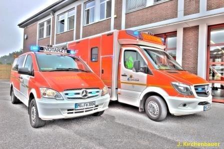 FW-MG: Person nach Grill-Unfall schwer verletzt