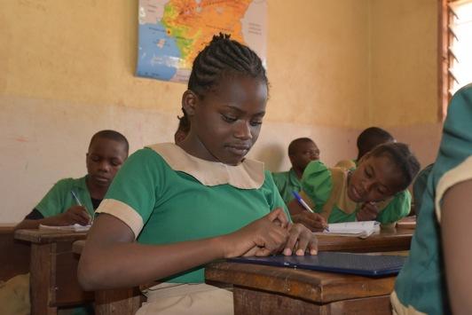 Mit sechs Punkten zu mehr Chancengleichheit / Die Brailleschrift ermöglicht blinden Menschen ein unabhängiges Leben