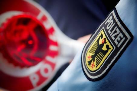 BPOL NRW: Fahndungserfolg der Bundespolizei: Haftbefehl am Bahnhof Krefeld vollstreckt; 36-Jähriger muss für 487 Tage ins Gefängnis