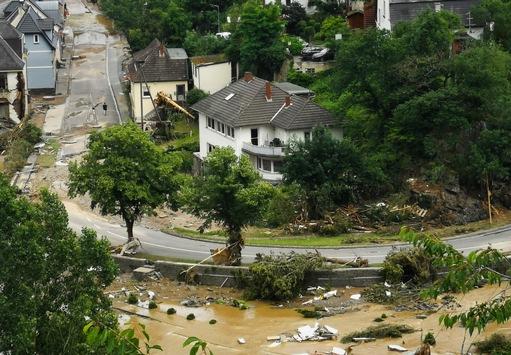 Hochwasser zerstört Existenzen und wichtige Einrichtungen – Help unterstützt beim Wiederaufbau