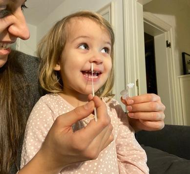 So einfach wie in der Nase bohren: Viromed liefert ab sofort Schnelltest für schmerzlosen Nasen-Abstrich