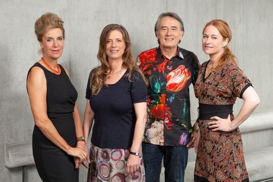 """3sat-""""Buchzeit"""" mit Lektüre-Tipps zu Weihnachten / Talkrunde mit Barbara Vinken, Sandra Kegel, Katrin Schumacher und Gert Scobel"""