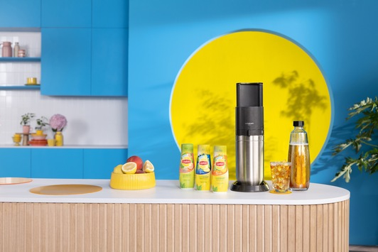 Der perfekte Durstlöscher zum Selbstmischen mit den Wassersprudlern von SodaStream und den Eistee-Sirups von Lipton