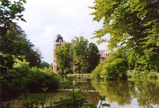 DBU: Historische Parks und Bauwerke als Klimaschützer sichtbar machen
