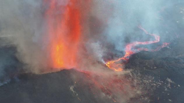 """""""Lavahölle im Urlaubsparadies – Unterwegs auf der Vulkaninsel La Palma""""/ WELT Nachrichtensender zeigt aktuelle Reportage zum Vulkanausbruch auf La Palma heute um 20.25 Uhr"""