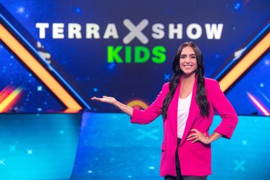 """""""Terra X-Show Kids"""": Wunder der Welt und krasse Kräfte der Natur / KiKA-Moderatorin Jessica Schöne moderiert neue Wissens-Show für Kinder"""