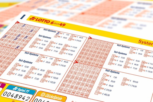"""Erster Millionär im Oktober / LOTTO 6aus49: Goldener Herbst im Kreis Düren / """"Sechs Richtige"""" bringen 1,5 Millionen Euro"""