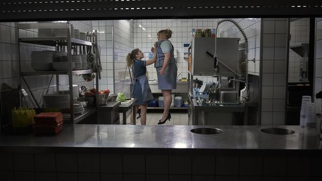 """ZDF-Free-TV-Premiere: """"Freaks – Du bist eine von uns"""" mit Cornelia Gröschel und Wotan Wilke Möhring"""