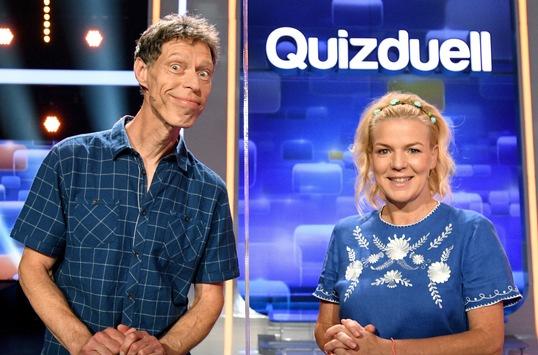 """Das Erste / Mirja Boes und Martin Schneider vs. """"Quizduell-Olymp"""" / Team Comedy bei Jörg Pilawa am Freitag, 6. November 2020, 18:50 Uhr im Ersten"""