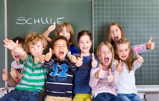 DEVK spendet je 10.000 Euro an 200 Schulen