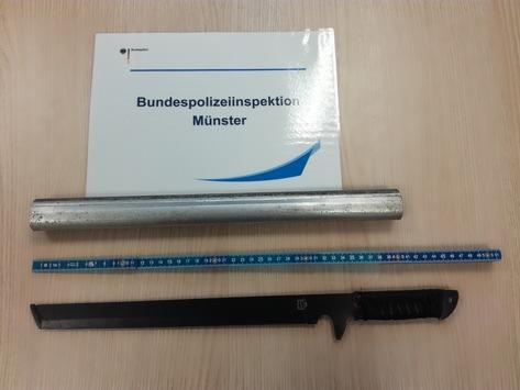 """BPOL NRW: Reisender sowie DB Mitarbeiterin im Hauptbahnhof Münster mit """"Ninja-Schwert"""" bedroht. Festnahme durch Bundespolizei."""