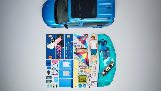 Vom Spielzeug bis zum DJ-Equipment: Zwei Familien zeigen, was sie alles im neuen Ford Tourneo Connect transportieren
