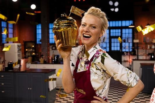 """Backstark: SAT.1 feiert die beste Staffel und beste Folge von """"Das große Promibacken"""" / Franziska Knuppe holt den Goldenen Cupcake 2021"""