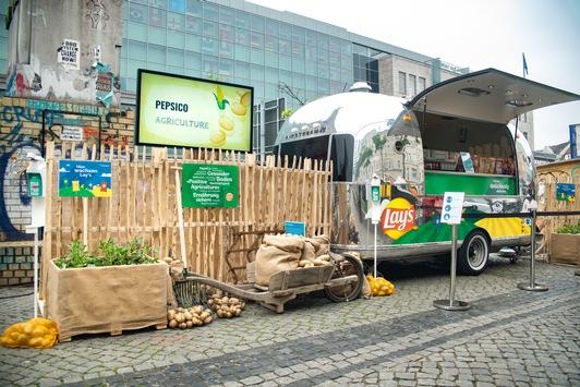 PepsiCo überrascht und begeistert Marktbesucher in Hamburg und Berlin mit Kartoffelchips aus nachhaltiger Landwirtschaft