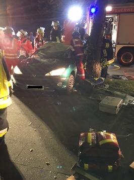 FW-E: Verkehrsunfall mit einer verletzten Person