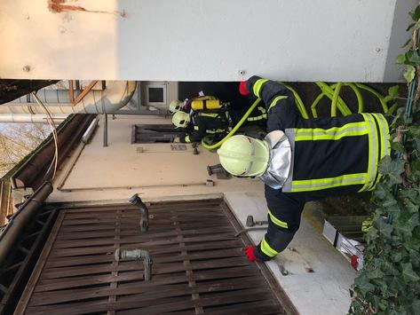 FW-GE: Brand einer Ölheizung sorgt für Einsatz der Feuerwehr in Gelsenkirchen Ückendorf. / Schnelles Eingreifen des Firmeninhabers verhindert größeren Schaden.