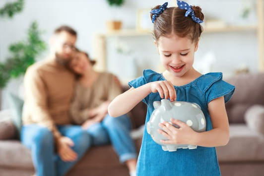 Taschengeld-Report 2021: Taschengeld der Grundschüler steigt gegenüber 2020