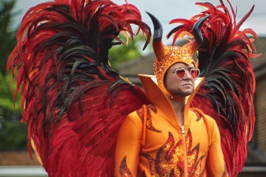 """Frohes Osterfestival! ProSieben zündet heute ein Musikfeuerwerk für Elton Johns """"Rocketman"""""""
