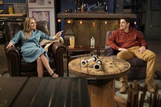 """Zwei auf einen (Genie-)Streich! ProSieben zeigt die neue Sitcom """"Outmatched – Allein unter Genies"""" und neue Folgen """"Young Sheldon"""" ab Montag, 4. Januar"""