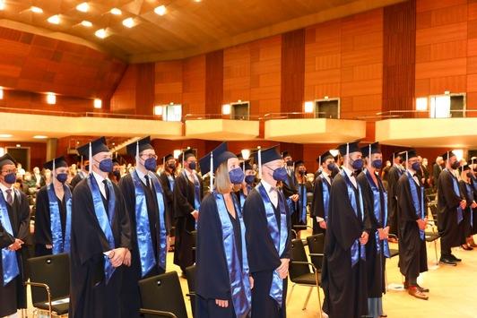 Paracelsus Medizinische Privatuniversität Nürnberg verabschiedet ihren Ärzte-Nachwuchs
