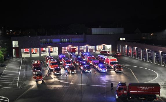 FW-E: Land unter nach Starkregenereignis in Wuppertal, MEO-Bereitschaft zur Unterstützung alarmiert