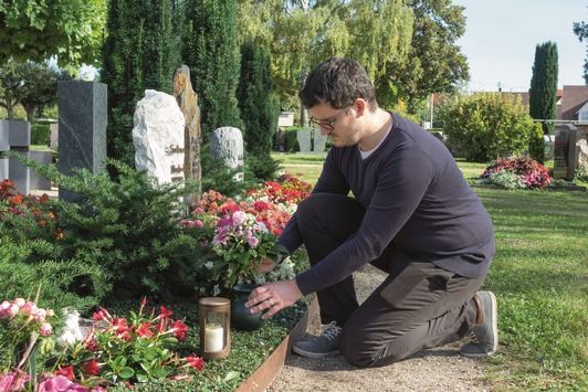 Zum Ewigkeitssonntag / Der beste Ort für die Trauer ist ein Grab, an dem sie sichtbar werden darf – zur Bedeutung und eigentlichen Funktion des Grabes als Trauerort
