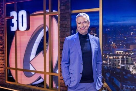 """Drehstart zur Jubiläumsstaffel: 30 Jahre """"Quatsch Comedy Club"""" mit über 50 Comedians ab 2022 exklusiv bei Sky Comedy und Sky Ticket"""