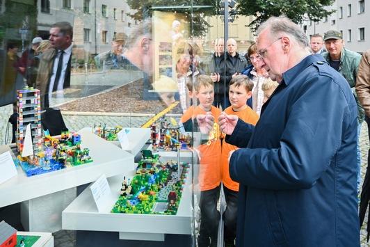 Zur EinheitsEXPO: Kinder bauen ihre Strukturwandel-Zukunft aus Lego
