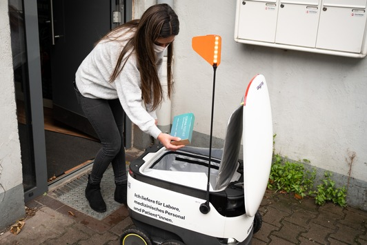 Asklepios-Labor Medilys und Starship Technologies bringen Corona-Tests per Lieferroboter an die Haustür