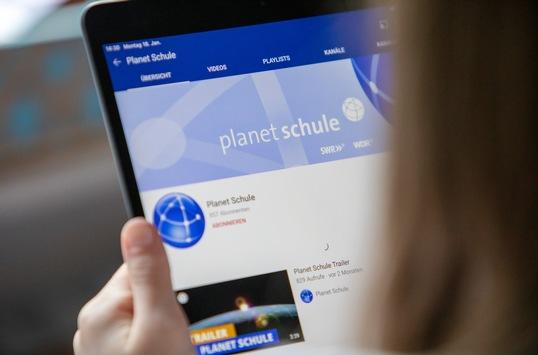 Planet Schule: digitale Sprechstunde für Lehrkräfte und Eltern
