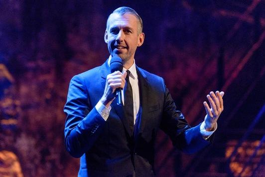"""""""Pufpaffs Happy Hour"""": Neue Folgen der 3sat-Kabarett-Show mit Sebastian Pufpaff"""