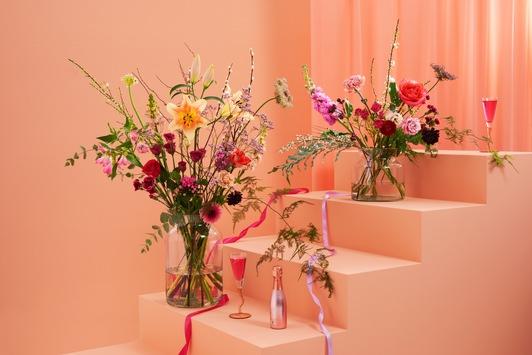 Extra zum Valentinstag: bloomon feiert die Liebe mit einer besonderen Kollektion / Stilvolle Blumendesigns in süßen Pastellfarben als Geschenk für die Liebsten